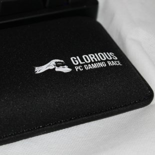 Glorious PC Gaming Race Wrist Pad Review